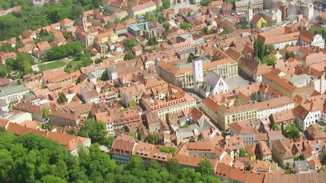 ws aerial ds zo view of city / zagreb, croatia - zagreb stock videos & royalty-free footage