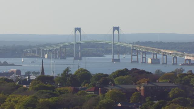 vidéos et rushes de ws aerial pov view of claiborne pell bridge / newport, rhode island, united states - rhode island