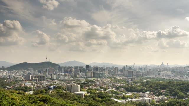 vidéos et rushes de view of cloudscape and cityscape of seoul city - végétation verdoyante