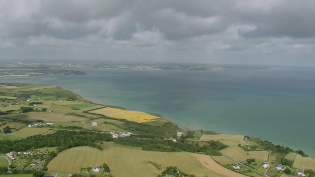 WS AERIAL View of Coast east of Saint Brieuc / Brittany, Channel Isles