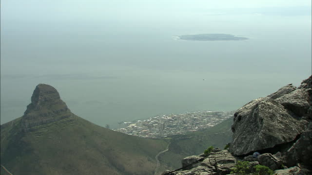 ws aerial view of coastline and ocean from the top of lion's head mountain / cape town, western cape, south africa - lion's head mountain stock videos and b-roll footage