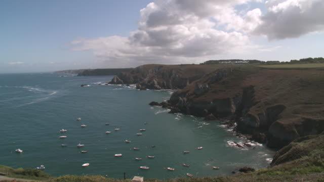 ws view of coastline / crozon, brittany, france - finisterra bretagna video stock e b–roll