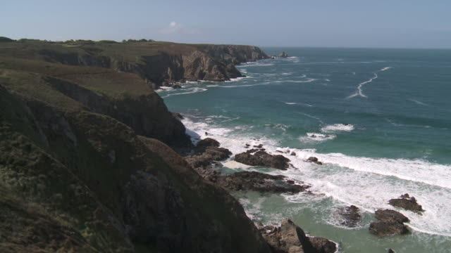 vidéos et rushes de ws view of coastline / crozon, brittany, france - cliff