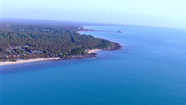 ws aerial view of coastline / darwin, northern territory, australia - northern territory australia stock videos & royalty-free footage