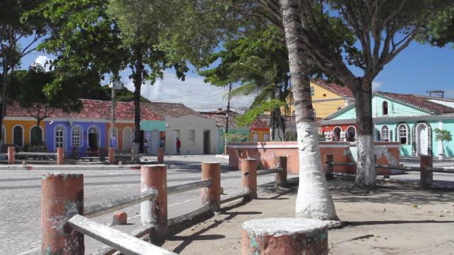 ws view of colorful houses in bahia / arraial d'ajuda, bahia, brazil - porto seguro stock videos & royalty-free footage