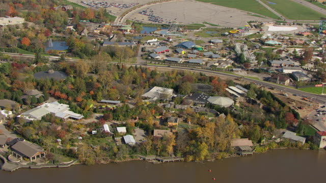 WS ZI AERIAL View of Columbus Zoo campus