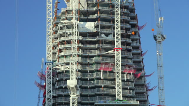 MS ZO TU View of Construction work  of Shard Building / London, United Kingdom
