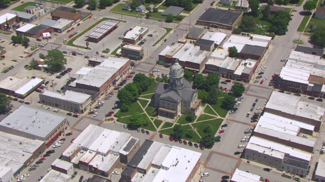 WS ZI AERIAL POV View of courthouse in city / Winterset, Iowa, United States