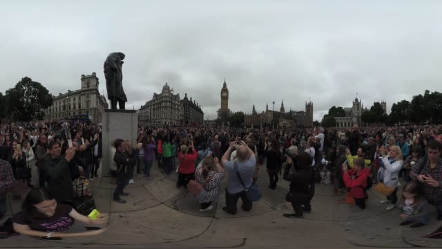 VR view of crowds gathered outside Parliament on August 21 2017 in London England to hear Big Ben's final bong Big Ben will fall silent for four...