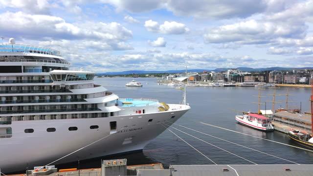 stockvideo's en b-roll-footage met ws view of cruise ship at harbour / oslo, norway - voor anker gaan