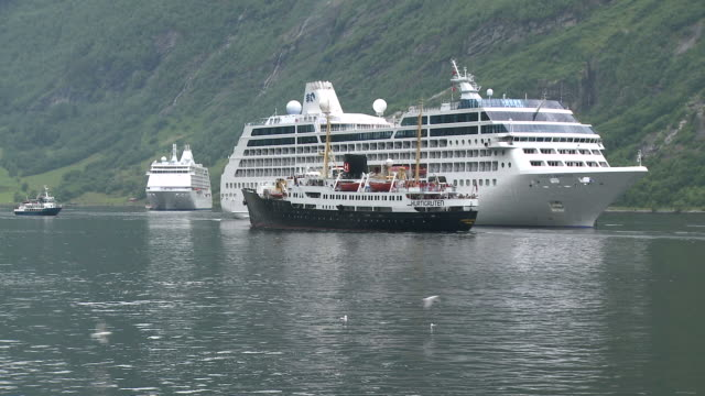 WS View of Cruise-ships in Geirangerfjord / Geiranger, More og Romsdal, Norway
