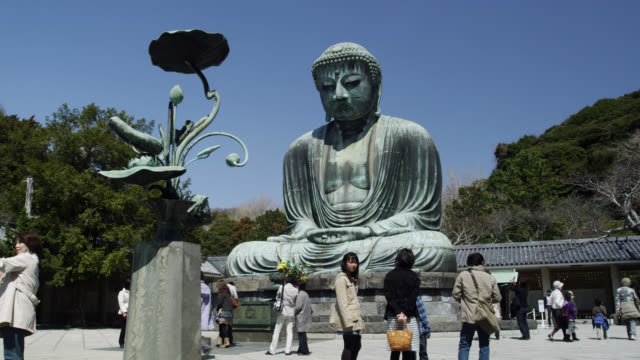 WS View of Daibutsu-great Buddha of Kotokuin temple with people / Kamakura, Kanagawa, Japan
