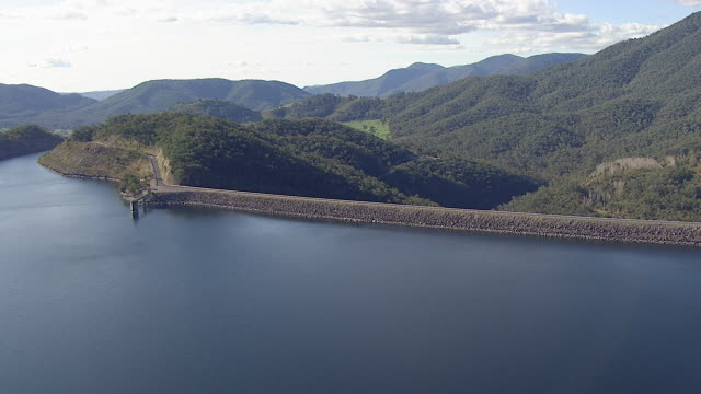 ms aerial view of dam / kings cliff, new south wales, australia - dam stock videos & royalty-free footage