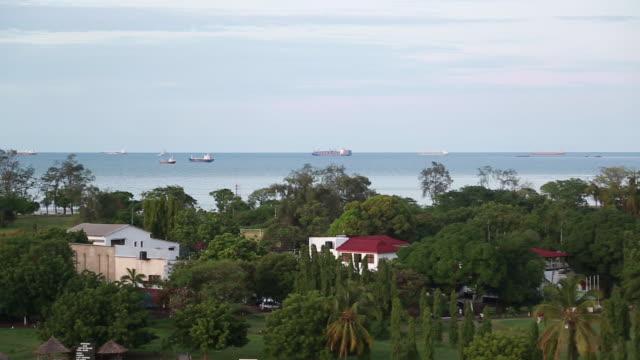 view of dar es salaam pan r-l waterfront - wiese video stock e b–roll