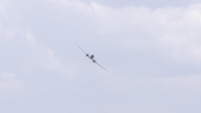 ws ts view of dc3 dakota aircraft flying at airshow / johannesburg, gauteng, south africa - south dakota stock-videos und b-roll-filmmaterial