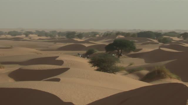 ms zo view of desert / atar, adrar, mauritania - mauritania stock videos & royalty-free footage