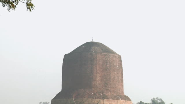 ws zo view of dhamek stupa / sarnath, uttar pradesh, india - stupa stock videos & royalty-free footage