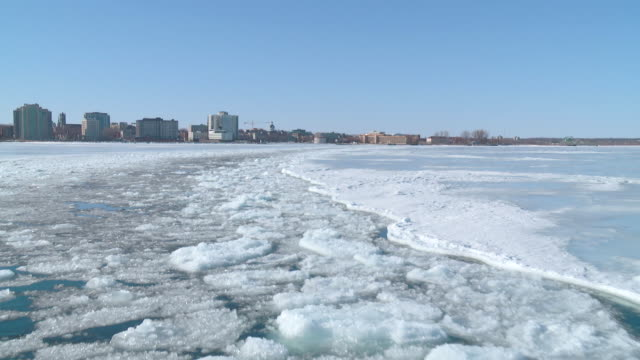 stockvideo's en b-roll-footage met ws pov view of down town from winter ferry / kingston, ontario, canada - ontario canada