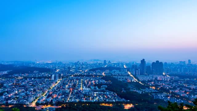 vídeos de stock, filmes e b-roll de view of downtown area in yangjae-dong, gangnam-gu at sunset - time lapse da noite para o dia
