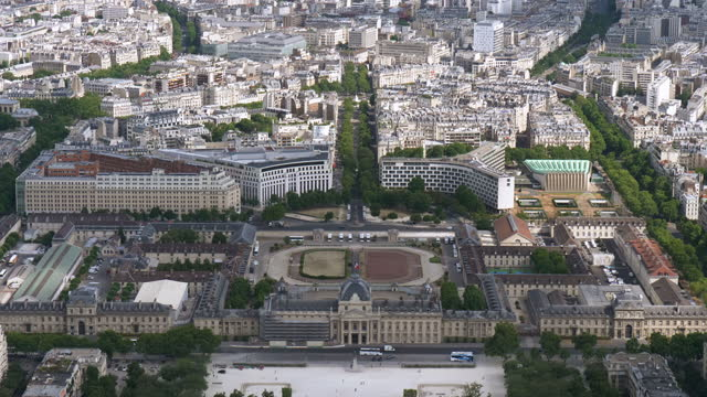 view of downtown around ecole militaire(military academy) / paris, france - offiziersschule école militaire stock-videos und b-roll-filmmaterial