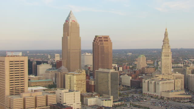 ws zo aerial view of downtown buildings / cleveland, ohio, united states - cleveland ohio stock videos and b-roll footage