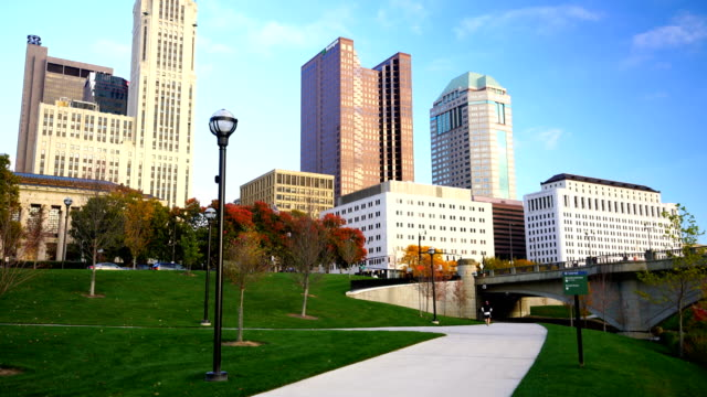 view of downtown columbus ohio skyline at twilight - ohio stock videos & royalty-free footage