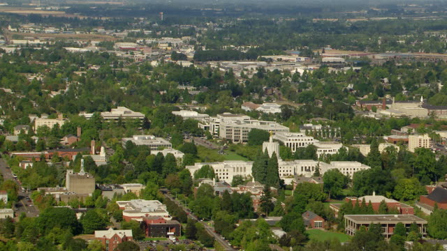 WS AERIAL View of Downtown Salem and Oregon State Capitol building / Oregon, United States