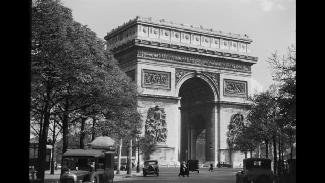 stockvideo's en b-roll-footage met ms view of eiffel tower / paris, france - 1936