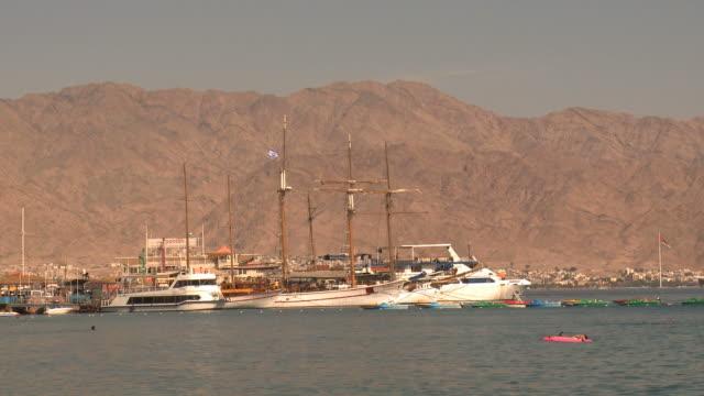 ws view of eilat marina / eilat, arava, negev desert, israel  - red sea stock videos & royalty-free footage
