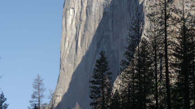 view of el capitan, yosemite national park, unesco world heritage site, california, united states of america, north america - エルキャピタン点の映像素材/bロール