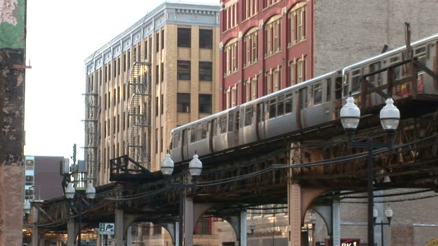 view of elevated train in chicago united states - illinois stock-videos und b-roll-filmmaterial