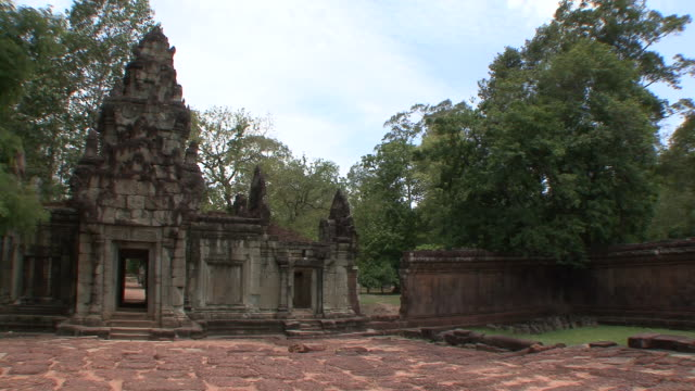 ws pan view of entrance to baphuon temple / siem reap, cambodia - cambodian culture stock videos and b-roll footage