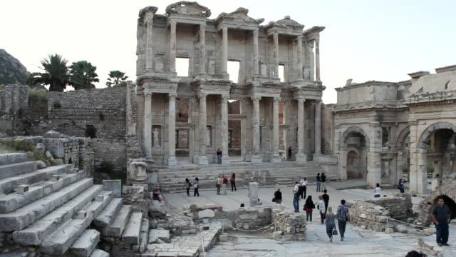 ws view of ephesus, ancient ruins / selcuk, efes, turkey  - izmir stock videos & royalty-free footage