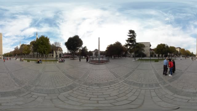 stockvideo's en b-roll-footage met 360 vr view of famous place sultanahmet square in istanbul turkey october 23 2017 - sociale geschiedenis
