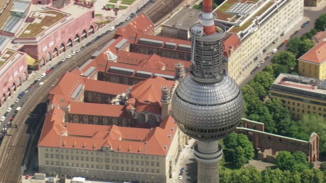 ws aerial zi zo ds view of fernsehturm alexanderplatz and city of berlin with river  / germany - alexanderplatz stock videos & royalty-free footage