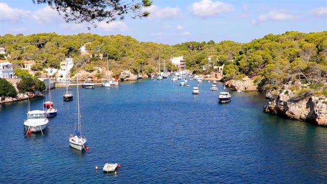 vídeos de stock e filmes b-roll de view of fishing harbour cala figuera ( santanyí ) of balearic islands majorca / spain - aldeia de pescador