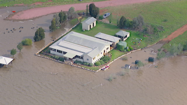 ws aerial zo view of floods / griffith, new south wales, australia - new south wales stock videos & royalty-free footage