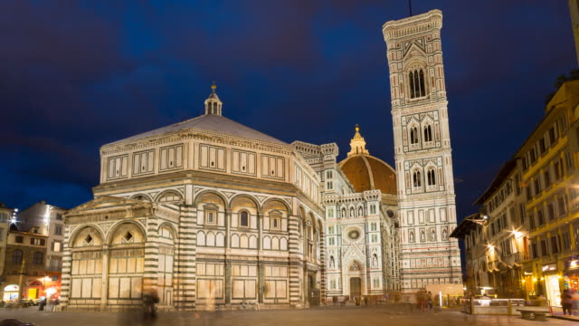 ws t/l view of florence cathedral basilica di santa maria del fiore duomo di firenze at night / florence, tuscany, italy - duomo santa maria del fiore stock videos and b-roll footage