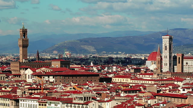 T/L WS PAN View of Florence with Palazzo Vecchio and Duomo, Tuscany, Italy