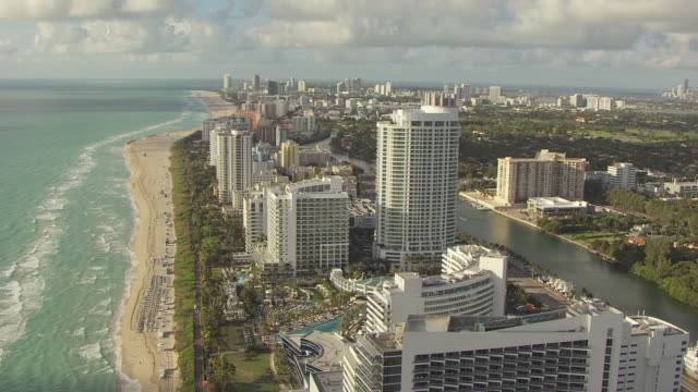 ws aerial zi view of fontainebleau hotel and pool in south beach / miami, florida, united states - miami stock videos & royalty-free footage