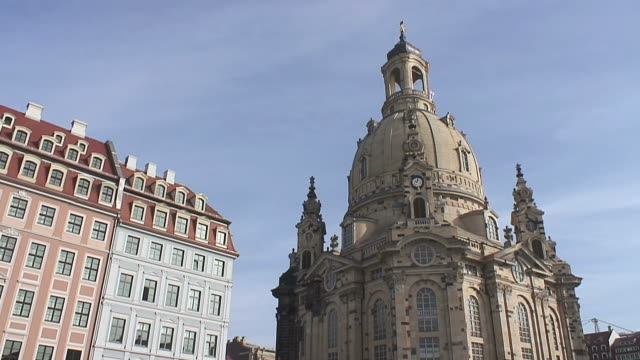 ws view of frauenkirche / dresden, saxony, germany - dresden frauenkirche stock videos & royalty-free footage
