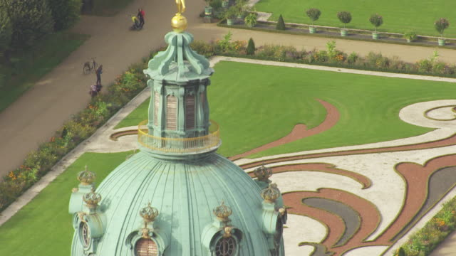 ms aerial tu view of from ground to top dome of charlottenburg palace / berlin, germany - charlottenburg palace stock videos & royalty-free footage
