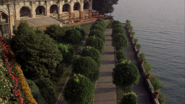 TU MS View of garden of isola bella / Rome, Italy