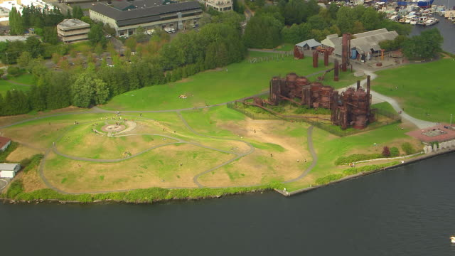 WS AERIAL View of Gas Works Park at lake Union / Seattle, Washington, United States