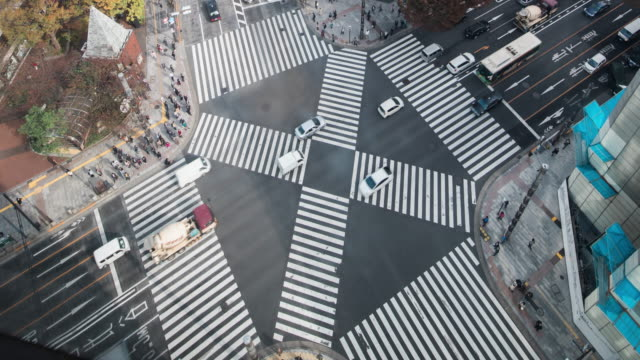 t/l ws ha zo view of ginza crossing / tokyo, japan - ginza stock videos & royalty-free footage
