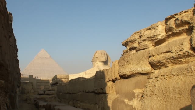 MS ZI View of gizeh pyramids / Cairo, Egypt