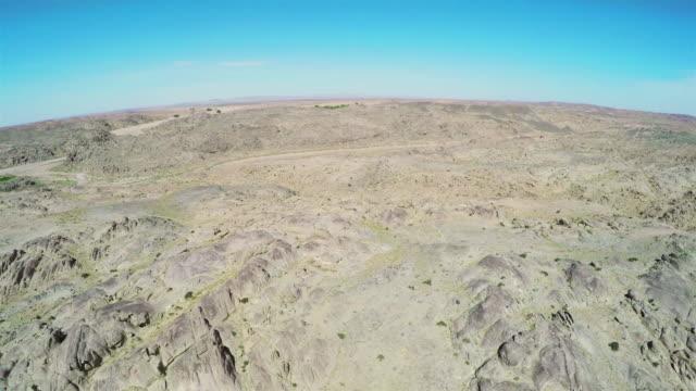 vidéos et rushes de ws aerial view of gobi desert/alashan, inner mongolia, china. - désert de gobi