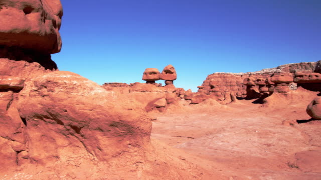 ws pan view of goblin valley state park / green river, utah, usa - river green stock videos & royalty-free footage