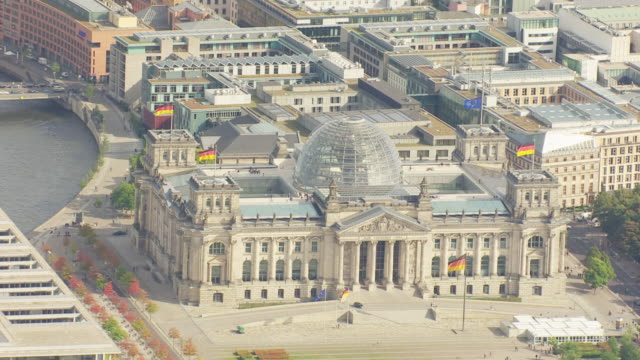 ms aerial view of government quarter with reichstag building / berlin, germany - cupola video stock e b–roll