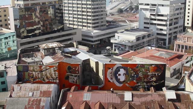 WS TU View of Graffiti on buildings and reveal skyline on Valparaiso  / Valparaiso, chile